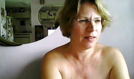 Chupando videos porno de parejas swinger su polla en la baño