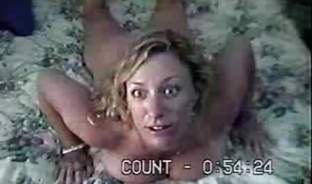 Las niñas compiten en la capacidad porno swinger parejas de soplar