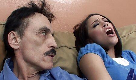 Mamá videos porno caseros swinger en control y complacer a su Chico