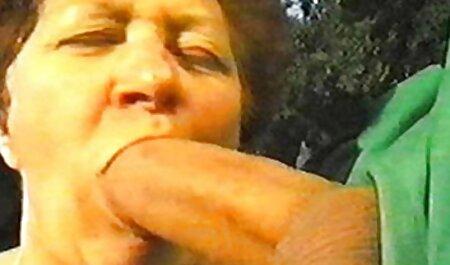 Pornstar recibe un diploma en videos porno caseros swinger capas de vidrio