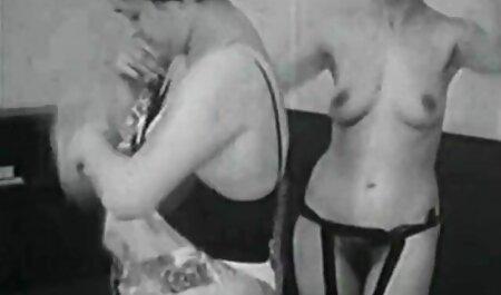Masturbación con la videos porno de parejas swingers mano en la oficina
