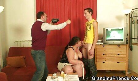 Cuero con hombre videos swingers bisexuales