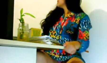 La ladrona entró en videos porno swinger mexicanos la casa y se acostó con su amo.