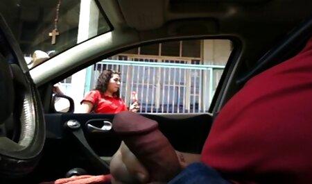 Chicas rusas burlándose de un hombre con videos pornos de parejas swinger un culo sexy en las calles