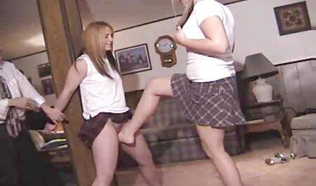 La chica tenía videos swinger playboy dieciocho años este verano