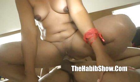 Jugar el uno al otro en el baño videos de sexo swinger amateur